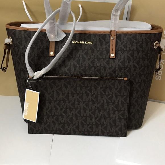 Michael Kors Handbags - 💦🌻mk Tote🌻drawstring/large/shoulder bag